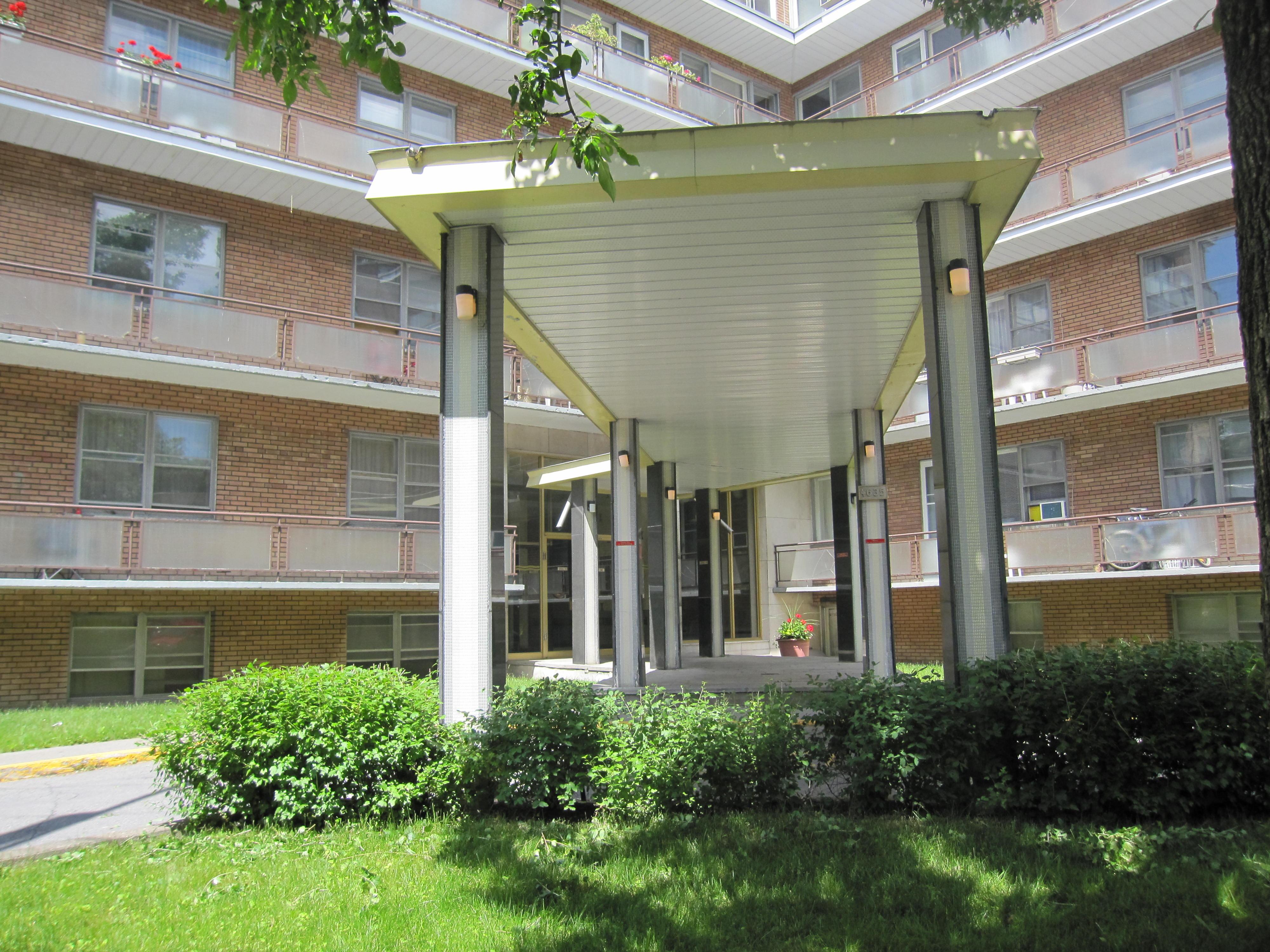 Appartement 2 Chambres a louer à Notre-Dame-de-Grâce a 4635 Clanranald - Photo 04 - PagesDesLocataires – L23639