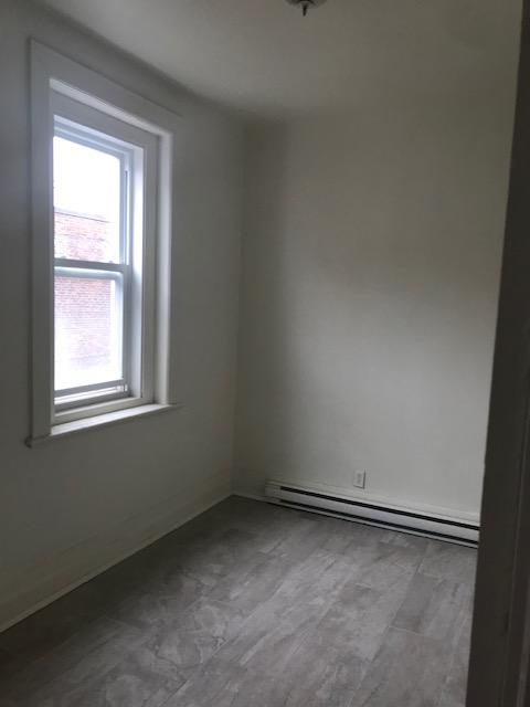Appartement 3 Chambres a louer à Notre-Dame-de-Grâce a 5621-5627 Sherbrooke Ouest - Photo 06 - PagesDesLocataires – L401599