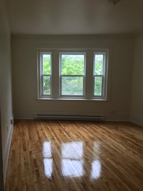 Appartement 3 Chambres a louer à Notre-Dame-de-Grâce a 5621-5627 Sherbrooke Ouest - Photo 11 - PagesDesLocataires – L401599