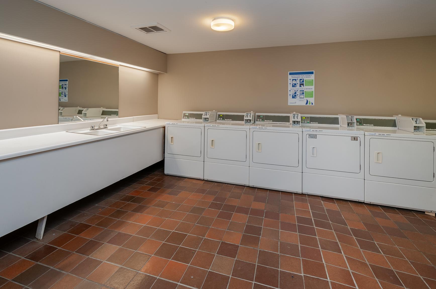 Appartement 1 Chambre a louer dans la Ville de Québec a Place Samuel de Champlain - Photo 24 - PagesDesLocataires – L407129