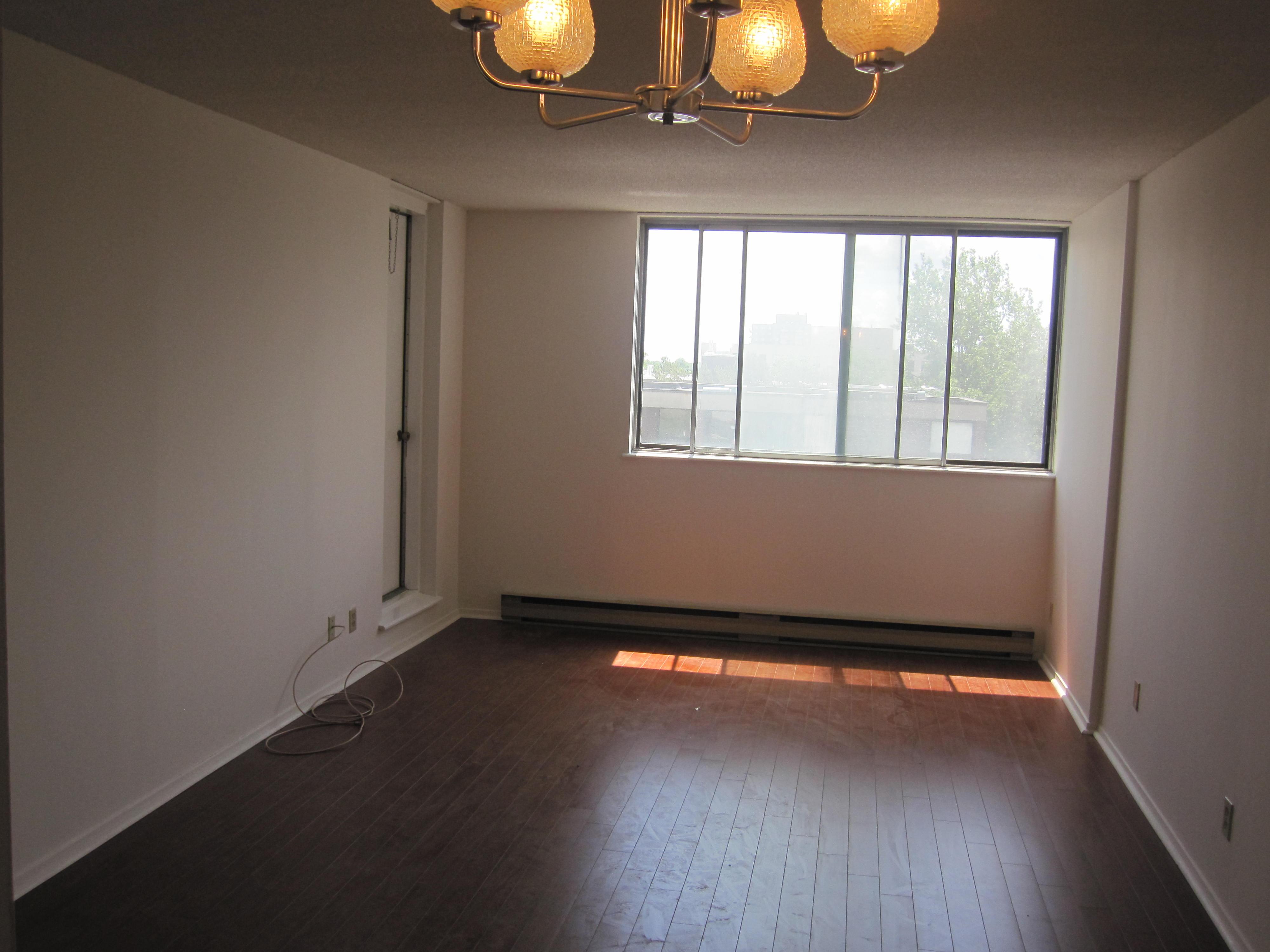 Appartement 2 Chambres a louer à Côte-Saint-Luc a 6555 Kildare - Photo 03 - PagesDesLocataires – L19481