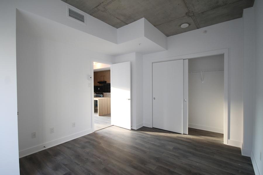 Condo 2 Chambres de luxe a louer à Montréal (Centre-Ville) a 1255 de Bullion - Photo 11 - PagesDesLocataires – L119809