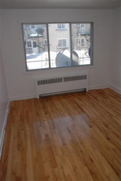 Appartement 2 Chambres a louer à Notre-Dame-de-Grâce a 2410-2420 Madison - Photo 02 - PagesDesLocataires – L9636