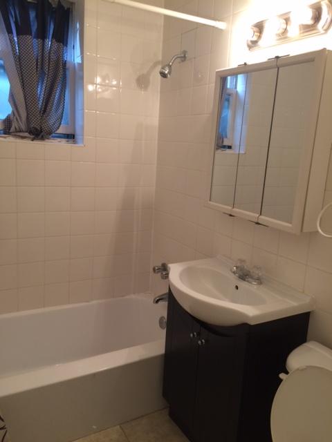 Appartement 1 Chambre a louer à Côte-Saint-Luc a 5781-5783 Cote-St-Luc Road - Photo 03 - PagesDesLocataires – L179183