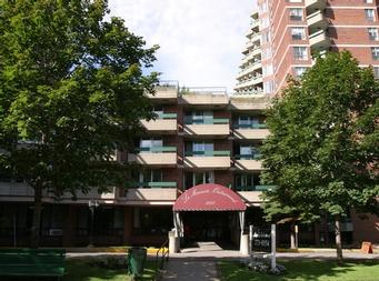 Maison de retraite pour personnes âgées autonomes 2 Chambres a louer à Outremont a Manoir Outremont - Photo 08 - PagesDesLocataires – L19532