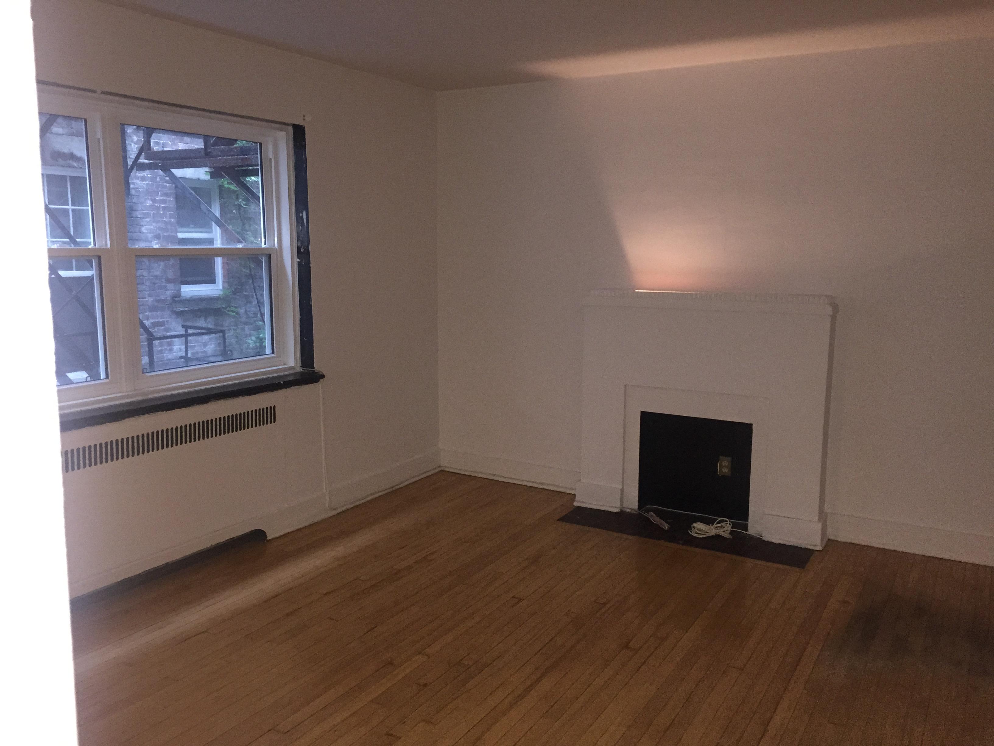 Appartement Studio / Bachelor a louer à Montréal (Centre-Ville) a 2070 Chomedey - Photo 01 - PagesDesLocataires – L112096