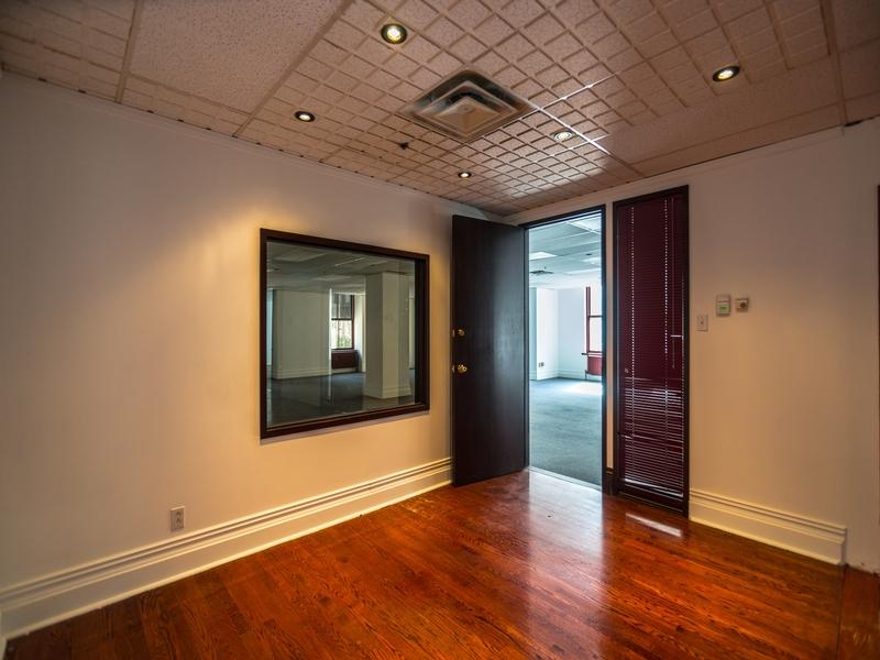 Bureau général a louer à Montréal (Centre-Ville) a Edifice-Aldred - Photo 12 - PagesDesLocataires – L181044